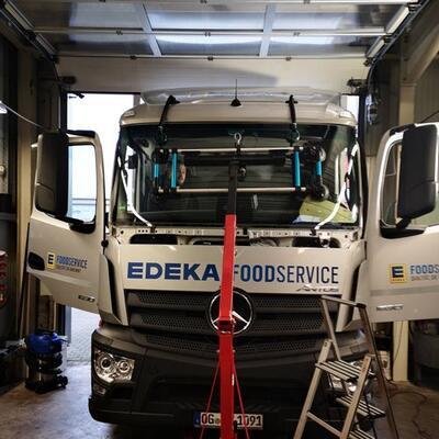 Austausch Windschutzscheibe LKW Mercedes Antos 2018- Autoglas Zentrum Ibbenbüren